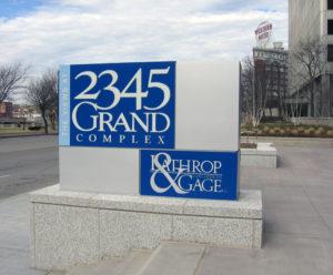 The Views At 2345 Grand Complex - Kansas City, MO